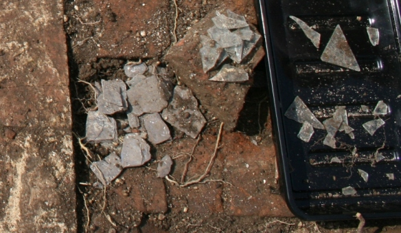 Window glass and slate finds from trench 1B