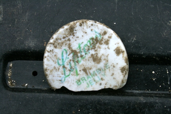 Plastic snap on lid of Lipton's Bramble Jelly