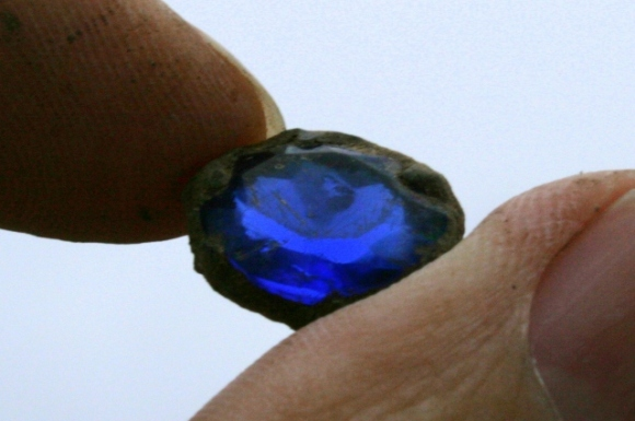 Paste 'sapphire' jewel