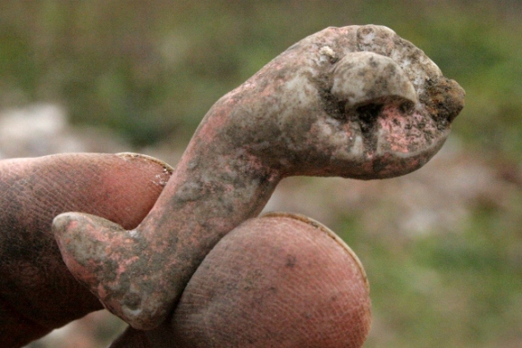 Ceramic doll's articulated leg