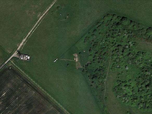 Google Satellite Image of Newmarket Hill, Aerial, Dew Pond, and NW corner of Castle Hill NNR