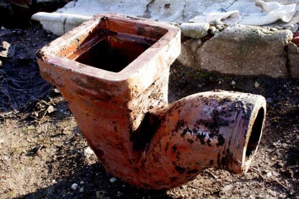 Salt glazed stoneware gully drain