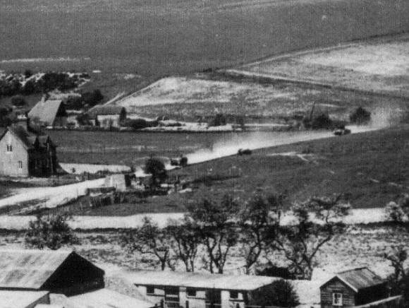 Tanks move into Balsdean - detail of photo. Photo: Holland Mercer Collection.