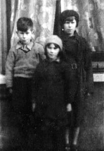 Phipps family children; Bob (Desmond), Lucy, Sylvia