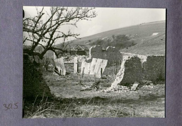 Photo 395. Badly destroyed Norton Farm. In Captain Bertie Hubbard Maclaren's scrapbook. Brighton & Hove Royal Pavilion and Museums, ref. HA930078.