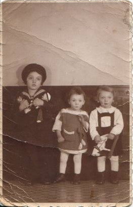 Peter, Ruth and Michael Auerbach, early 1939, before leaving for England.